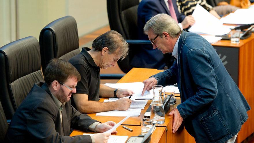Los tres diputados de IU votaron a favor la segunda reforma de la renta básica