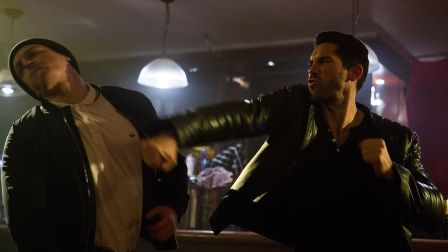 Scott Adkins vapulea a un figurante en Accident Man