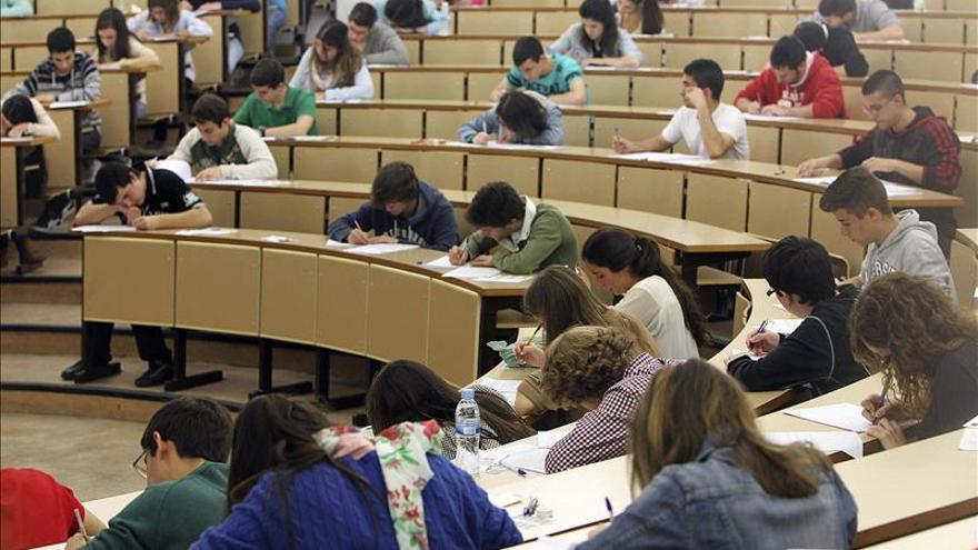 La CE publica hoy los datos de participación en becas Erasmus en 2011-2012