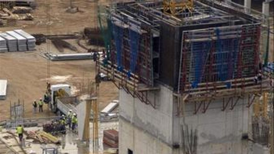 Accidente laboral en las obras del nuevo Mestalla, en la avenida Cortes Valencia