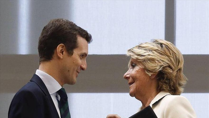 """Aguirre dice que """"Cifuentes será muy buena presidenta del PP de Madrid si la votan"""""""