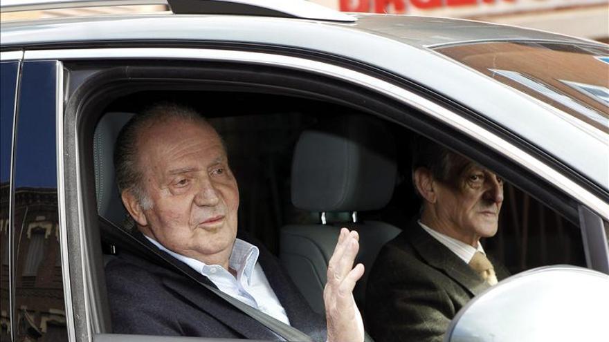El Rey sale de la clínica donde fue operado tras seis días de recuperación
