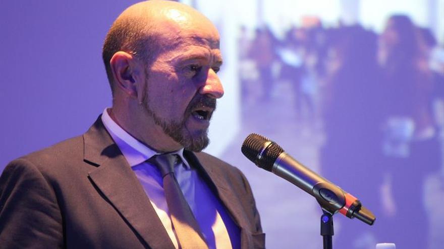 """Carlos Urroz: """"El coleccionista busca en ARCO al artista emergente o sexy"""""""