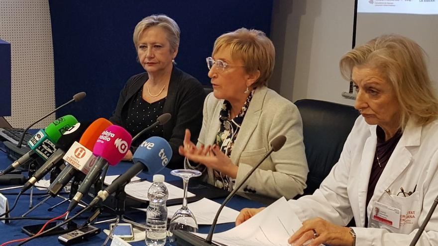 La consellera de Sanidad, Ana Barceló, en rueda de prensa en el Hospital de Alzira