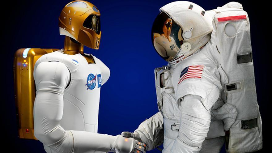 ¿Se pueden desarrollar una batería de test para evaluar la inteligencia de los robots humanoides (Foto: NASA Robonaut)
