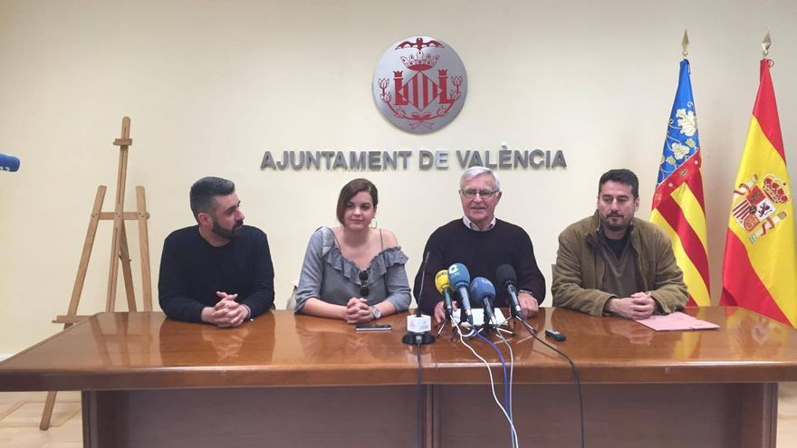 El alcalde de València, Joan Ribó, acompañado por los portavoces del tripartito