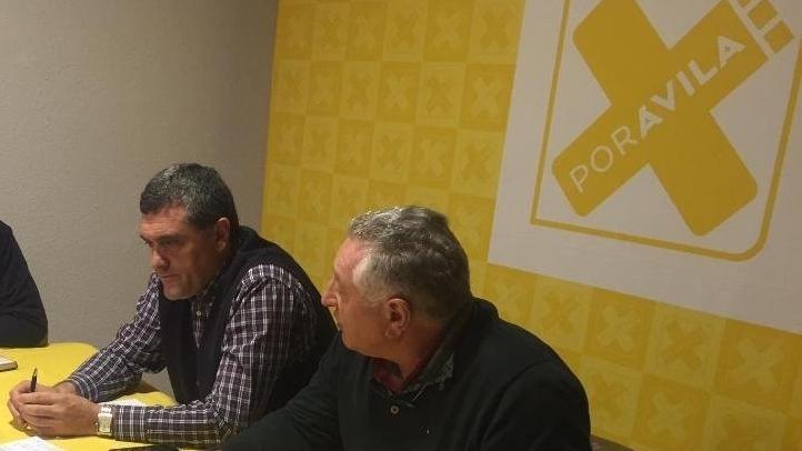 Los representantes de la Plataforma por la Sanidad y de Por Ávila, durante la reunión.