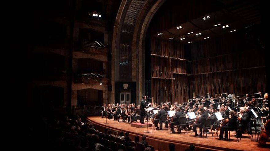 México homenajea al guitarrista español Paco de Lucía con estreno mundial