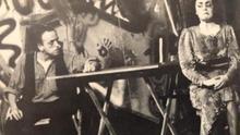 """Fernando Madrazo y Belén Conde representando  """"Las cucarachas"""" de Guillermo Gentile puesta en escena por el Grupo Caroca."""