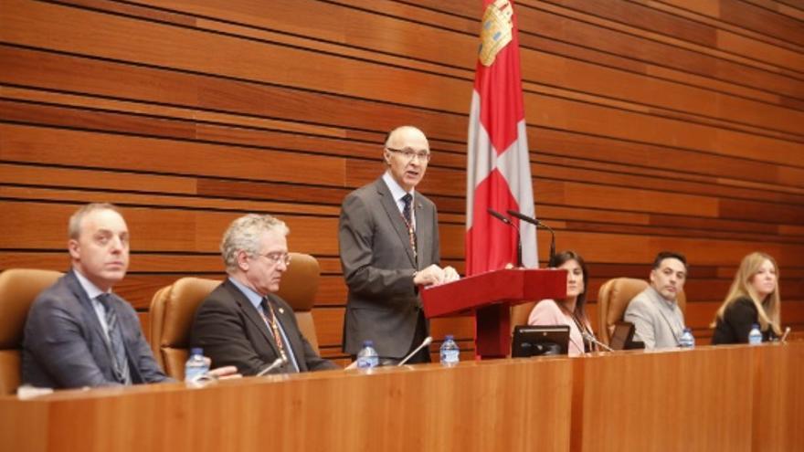 Ramiro Ruiz Medrano, presidente en funciones tras la dimisión de Silvia Clemente.