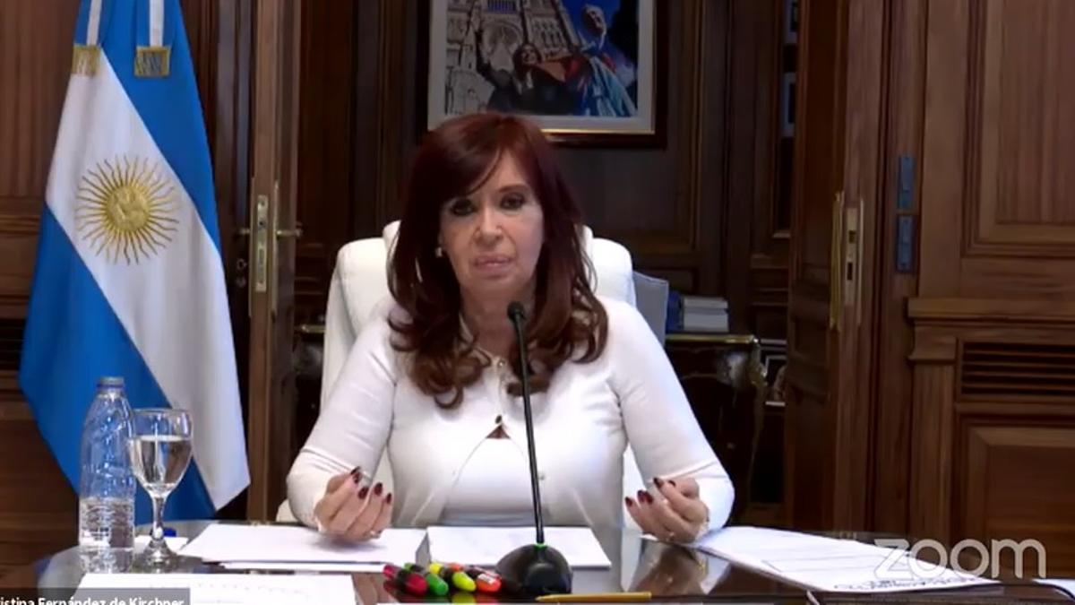 Cristina Kirchner habló desde su despacho en el Senado de la Nación.