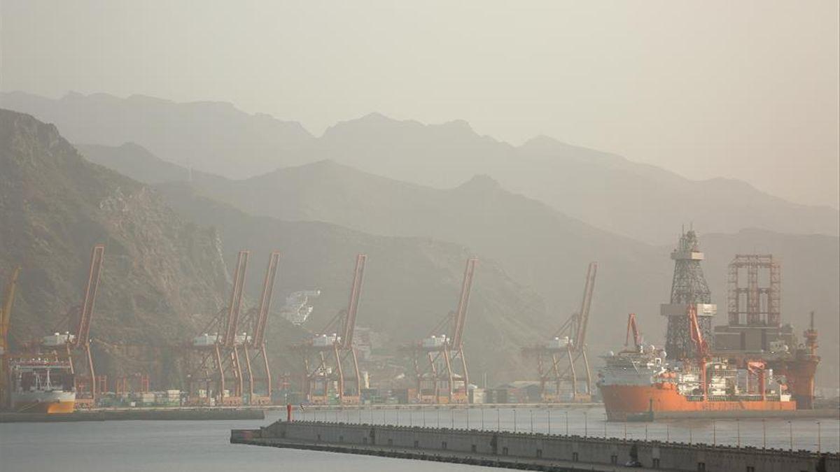 Calima en el puerto de Santa Cruz de Tenerife