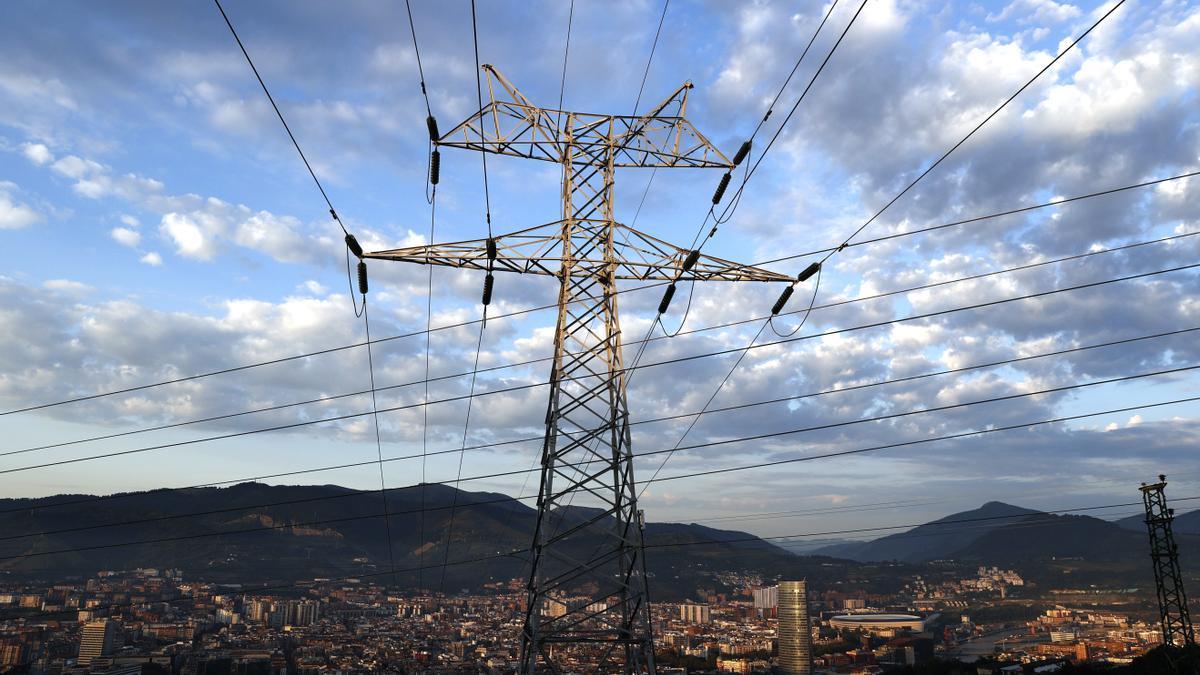 """El vicepresidente de Canarias, ante el precio máximo de la luz: nacionalizar eléctricas está """"plenamente justificado"""""""