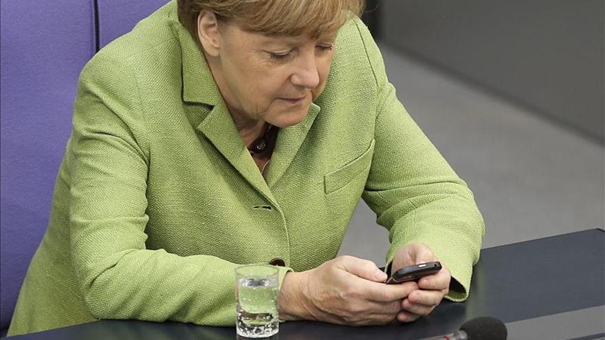 Merkel estudia con el rey jordano la cooperación ante la crisis de Irak y Siria