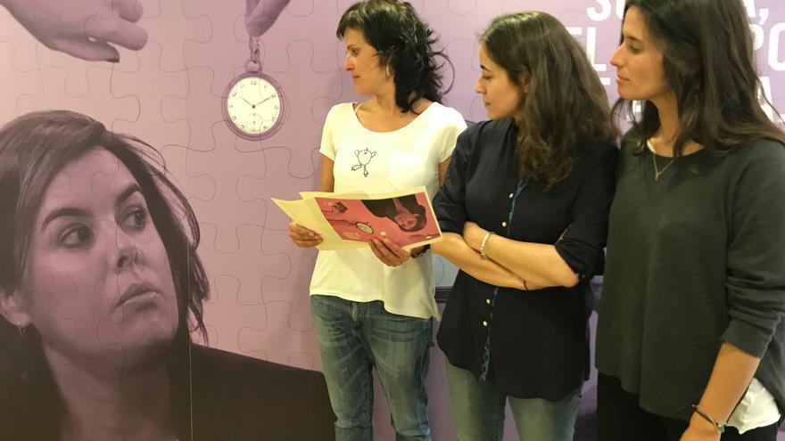 Activistas de Amnistía Internacional con #ElPuzzleDeSoraya