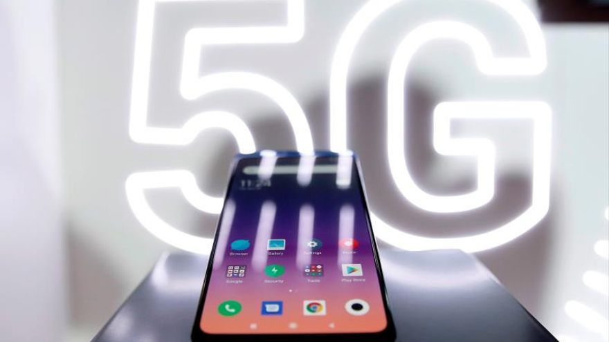Xiaomi profits fall 32% in the first half