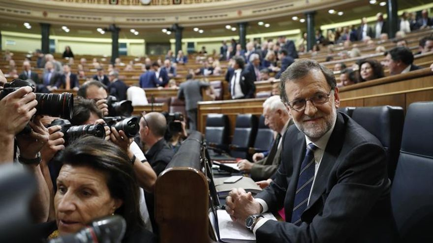 Rajoy invita al consenso en asuntos de Estado, como pensiones o educación
