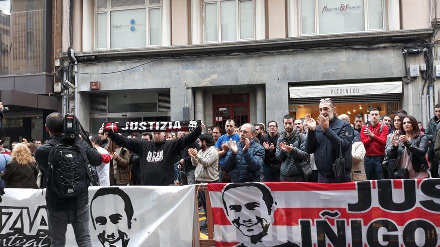 """Plataforma Iñigo Cabacas afirma que, """"si existiese justicia"""", hoy Ugarteko """"se sentaría en el banquillo"""" de acusados"""