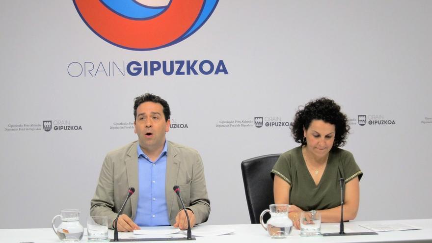 """Gipuzkoa cree que los datos del paro indican que """"vamos por el buen camino"""", pero llama a no caer en """"autocomplacencia"""""""