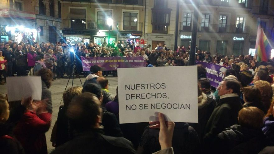 Concentración en Toledo contra el pacto andaluz