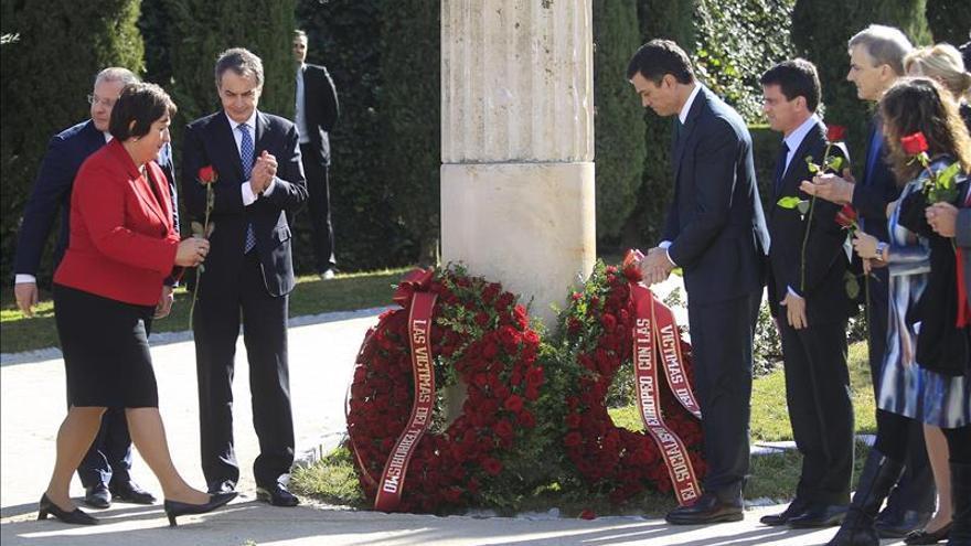 Valls, Sánchez y Zapatero homenajean juntos a las víctimas del terrorismo