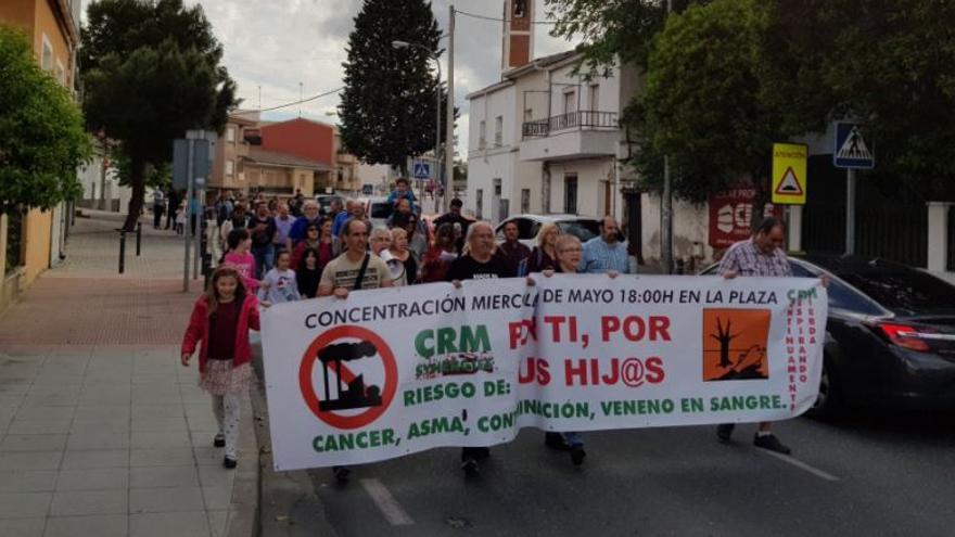 Maifestación contra CRM en Las Ventas de Retamosa / IU