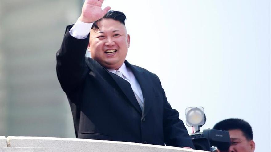 """Kim Jong-un insta a lo niños norcoreanos a """"odiar a los imperialistas"""""""