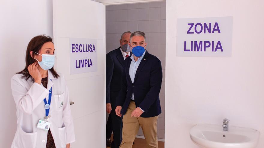 Andalucía pide más vacunas al Gobierno tras poner el 99 % de las recibidas