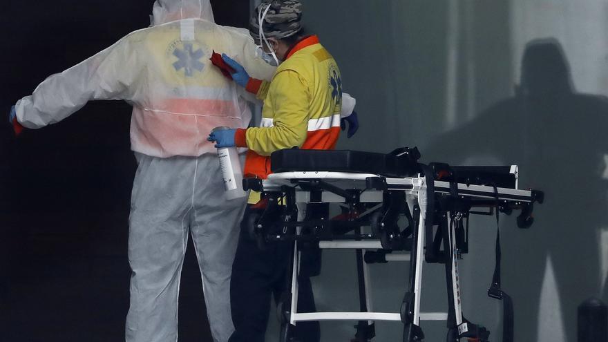 Cataluña registra 2.360 contagios y 13 muertos por COVID en las últimas 24 horas