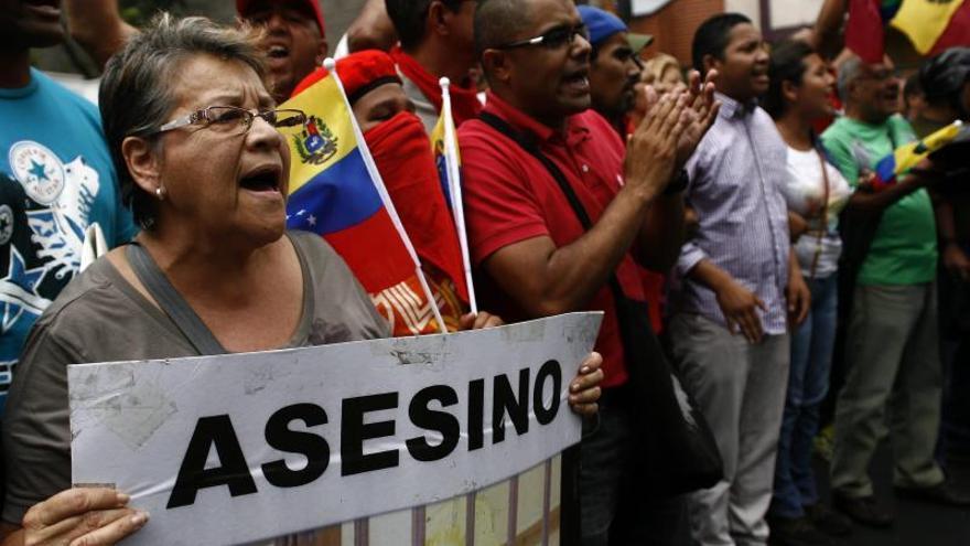 En una marcha convocada por el Gobierno, los venezolanos piden el fin de la violencia