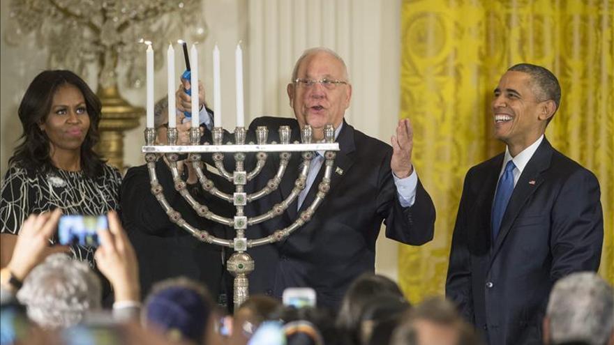 """Obama insta a israelíes y palestinos a """"seguir intentando"""" llegar a la paz"""