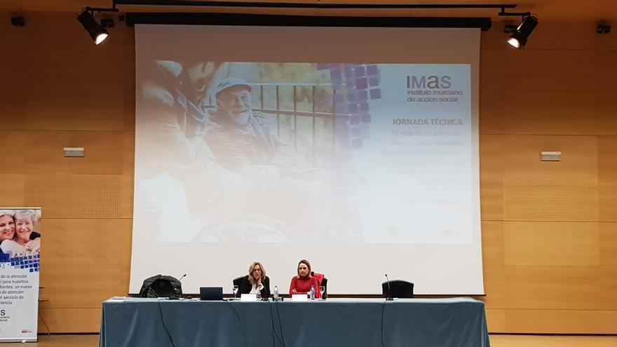 El IMAS presenta el nuevo modelo de teleasistencia centrada en el usuario