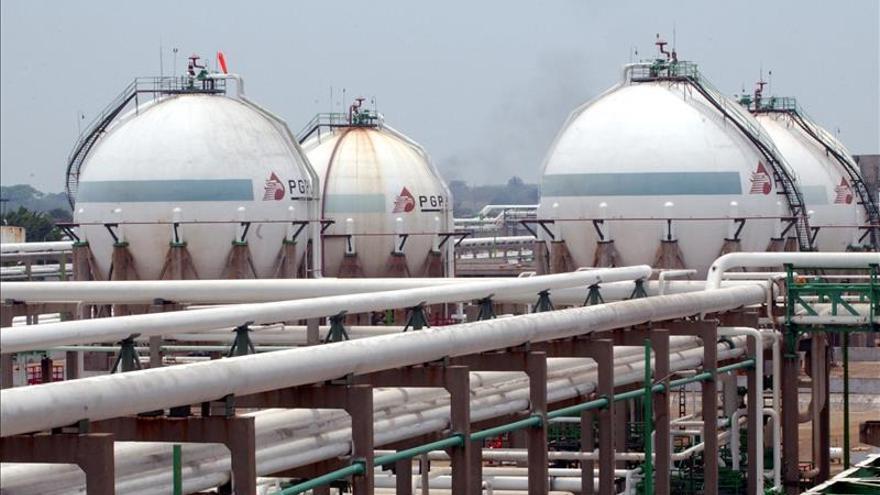 México invertirá 23.000 millones de dólares en la modernización de refinerías