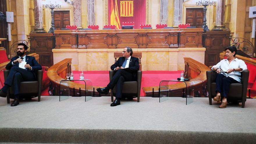 El presidente del Parlament, el del Govern y la delegada del Gobierno, durante la rueda de prensa