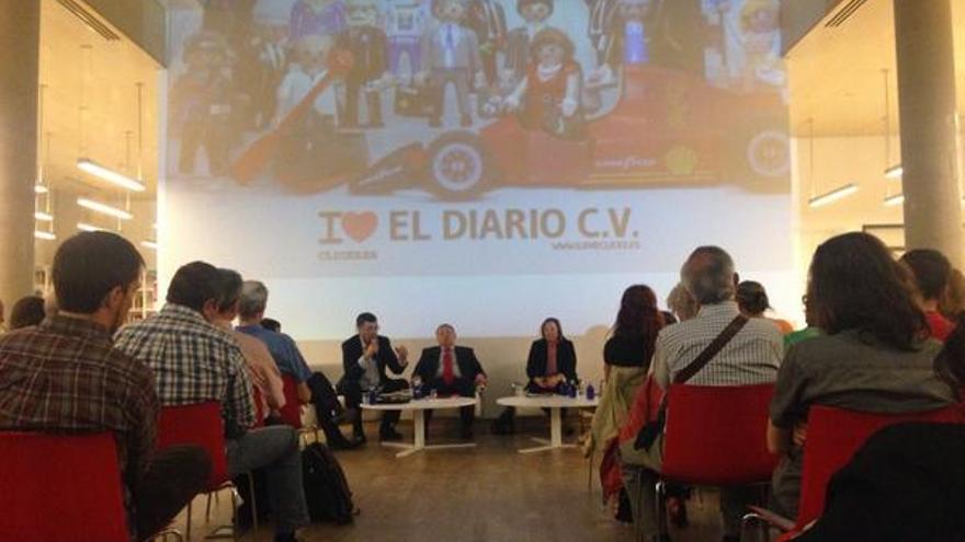 Un momento del debate celebrado en el primer aniversario de la edición valenciana de eldiario.es