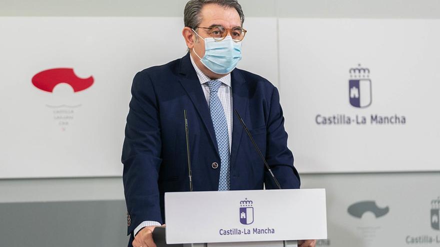 El Gobierno de Castilla-La Mancha recula e incluye a las Viviendas Tuteladas y al Servicio de Ayuda a Domicilio en la vacunación prioritaria