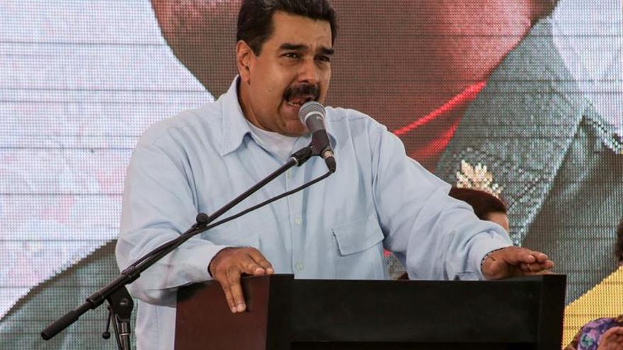 """Venezuela se declara """"libre"""" de la OEA pero aún no formaliza su salida"""