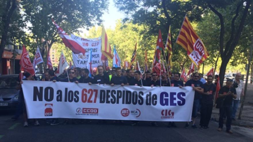Manifestacion de Global Energy Systems en la sede central.