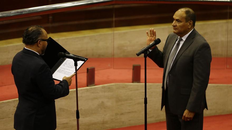 El Salvador se adentra a una crisis política ante la mirada crítica de EE.UU.