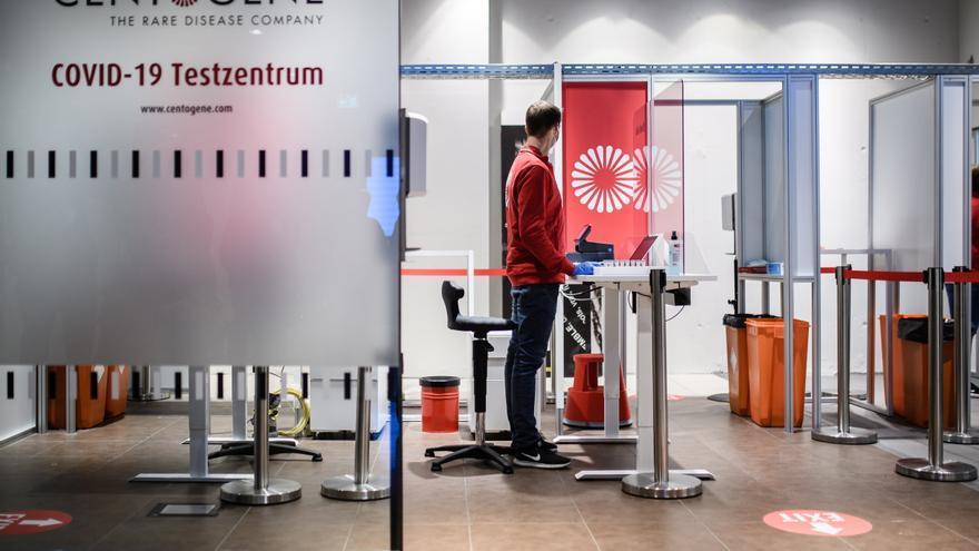 Bruselas recomienda no hacer cuarentenas ni test para viajar dentro de la UE