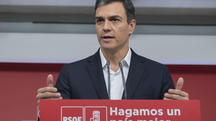 Pedro Sánchez durante una rueda de prensa en Ferraz este viernes.