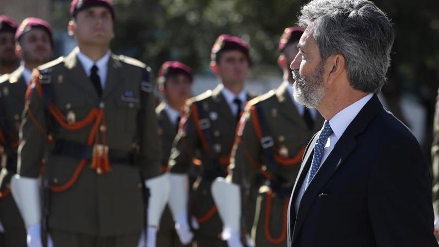Lesmes preside el izado de bandera por el cuarto año de reinado de Felipe VI
