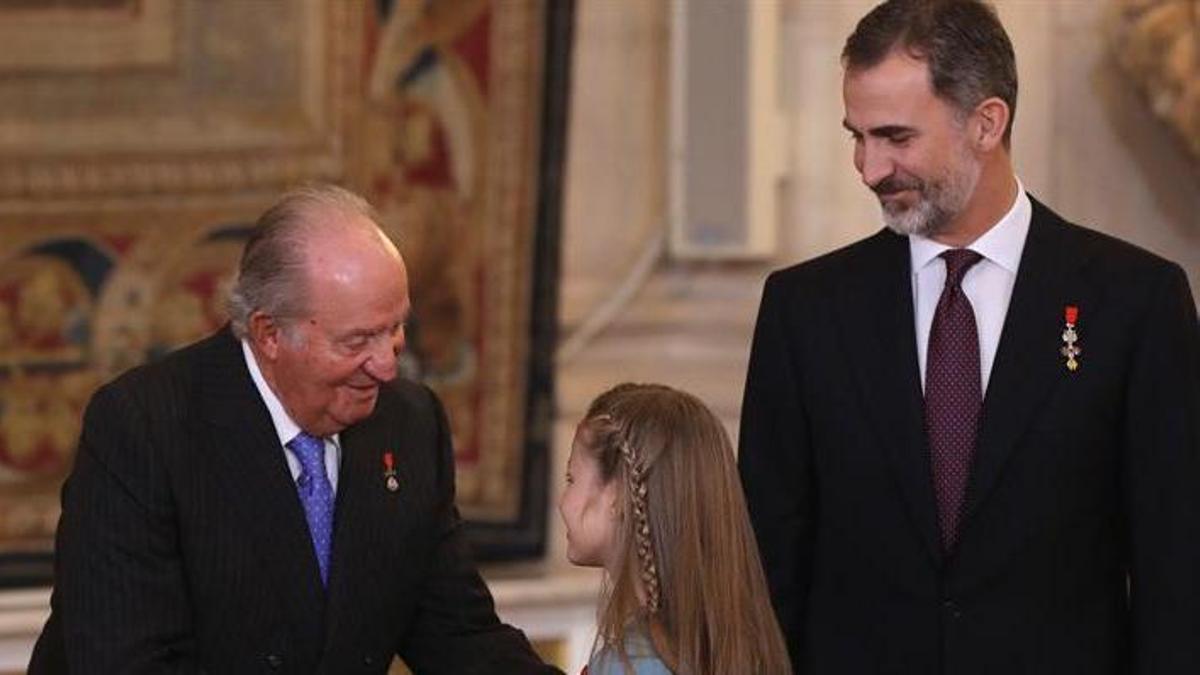 Felipe VI, Juan Carlos I y Leonor.