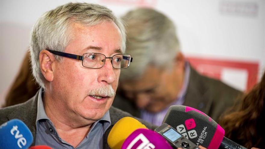 Toxo no ve a Rajoy dispuesto a eliminar topes de cotización a salarios altos