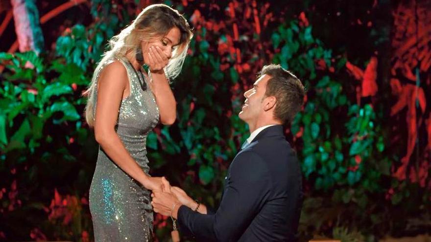 Jose pidió matrimonio a Adelina en la hoguera final de La isla de las tentaciones