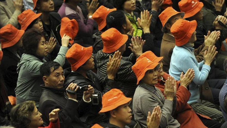Pekín espera que el nuevo Papa mejore las relaciones con China y elimine obstáculos