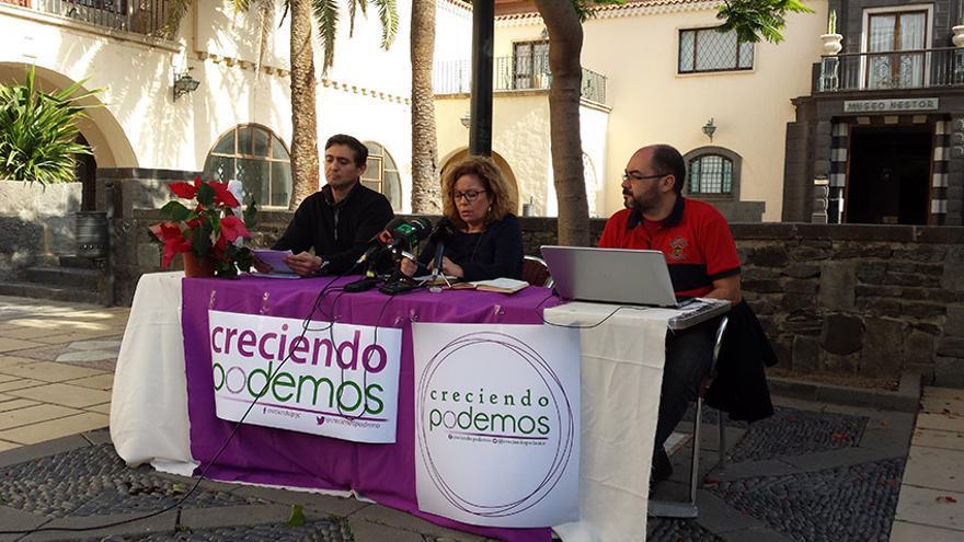 De izquierda a derecha: Juan Carlos Cabrera, María Dolores Alonso y Emilio Siesto, de Creciendo Podemos.