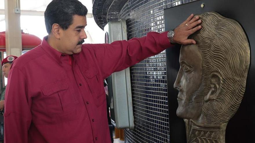 """Maduro insinúa que Rajoy actúa como """"dictador"""" ante el referendo en Cataluña"""