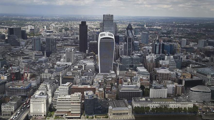 La City prevé una caída de tipos en Reino Unido y un aumento de la inflación