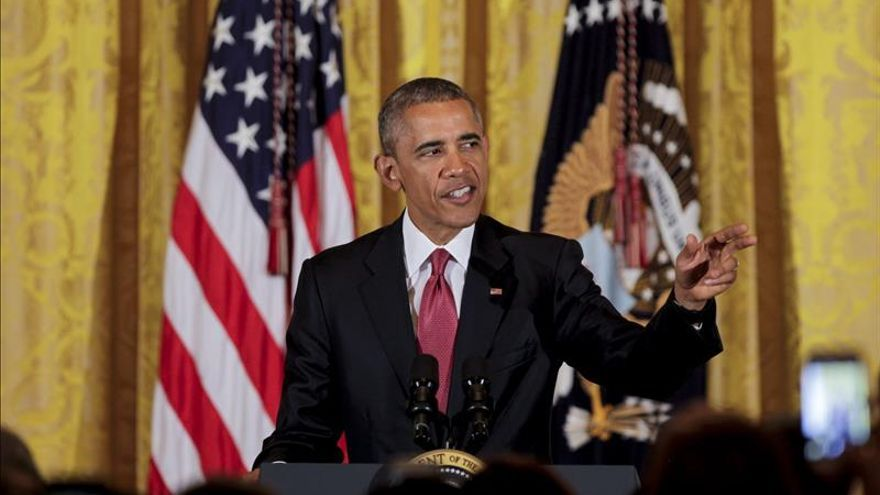 """Obama felicita a Cameron por su """"impresionante"""" victoria electoral"""